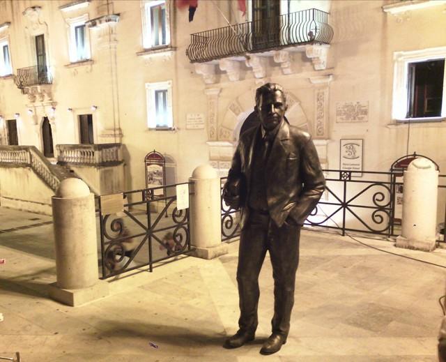 Giuseppe tomasi di lampedusa passeggia nuovamente in for Scrittore di lampedusa