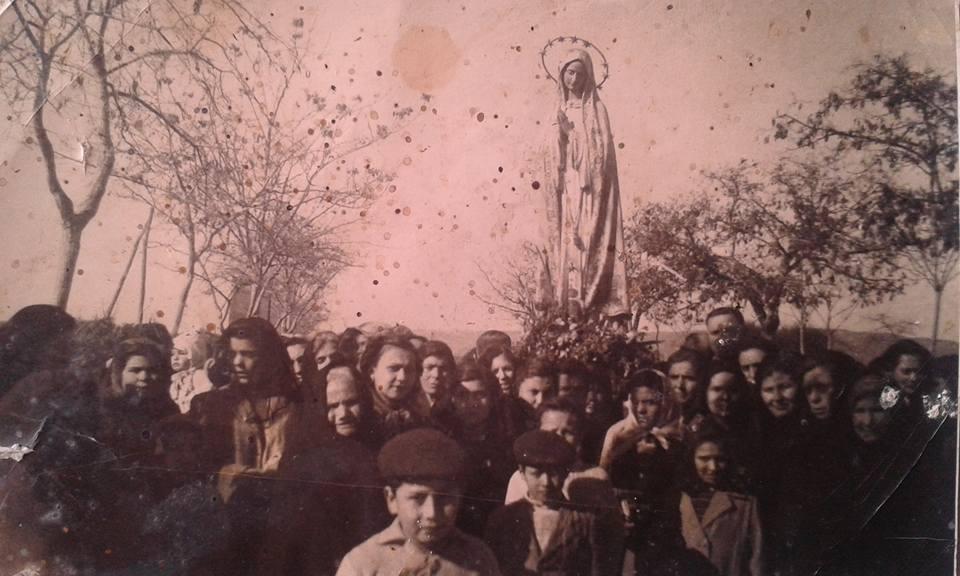Madonna di Fatima -Processione nei pressi del Santuario Madonna delle Grazie di Montevago (Ag). (1955)